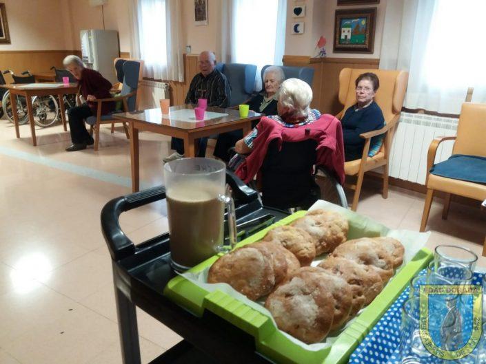 Celebrando el día de Todos Los Santos en Residencia Rus